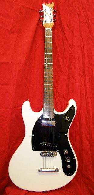 ジョニー・ラモーン(Johnny Ramone)の使用エレキギター