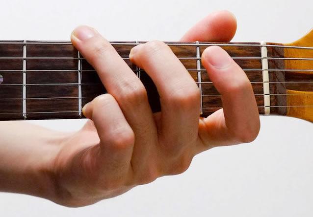 指の広げ方:G