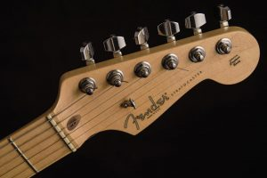 fender-stratocaster-maple
