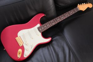 Made In Japan Traditional 60s Stratocaster with Gold Hardware